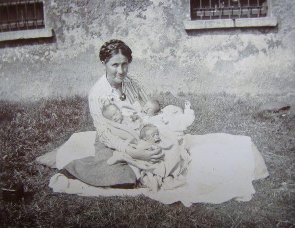 Lynn, Kathleen (photograph)